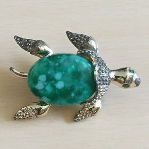 Vintage Gerrys Stone Turtle Brooch